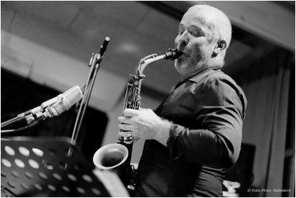 Hayden Chisholm 11.9.2017 Hayden Chisholm Quartet: Hayden Chisholm - Sax ; Achim Kaufmann - Piano ; Petter Eldh - Bass ; Jonas Burgwinkel - Drums © Peter Tümmers