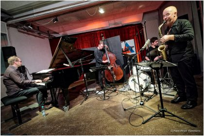 11.9.2017 Hayden Chisholm Quartet: Hayden Chisholm - Sax ; Achim Kaufmann - Piano ; Petter Eldh - Bass ; Jonas Burgwinkel - Drums © Peter Tümmers