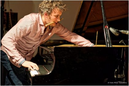 Philipp Zoubek 15.11.2016 Gratkowski-Zoubek-Landfermann-Mahnig: Frank Gratkowski - reeds ; Philipp Zoubek - piano ; Robert Landermann - bass ; Dominik Mahnig - drums © Peter Tümmers