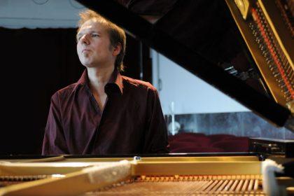 Achim Kaufmann - piano 10.06.2010 © Hyou Vielz