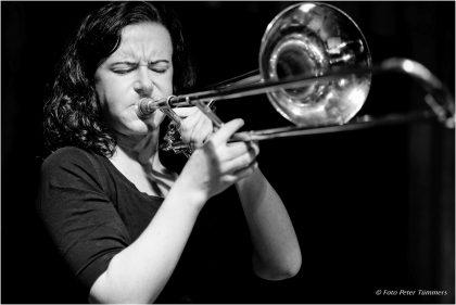 Shannon Barnett 06.10.2015 Shannon Barnett Quartett Shannon Barnett - trb., Stefan Karl Schmid - ts., ss., David Helm - bass, Fabian Arends - drums © Peter Tümmers