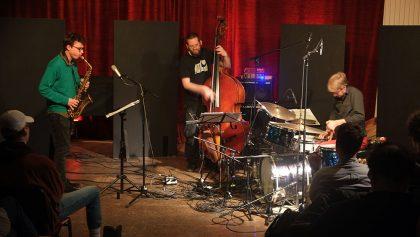 18.01.2017: Fabian Dudek Trio vl: Fabian Dudek, Robert Landfermann, Dominik Mahnig