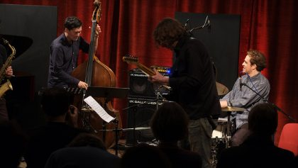 16.02.2017: PABLO HELD MEETS… 1. Konzert vl: Matthias Akeo Nowak, John Schröder, Sean Carpio
