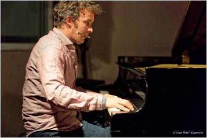 Gratkowski-Zoubek-Landfermann-Mahnig -  Dienstag 15. November 2016 ; Philipp Zoubek - piano © Peter Tümmers