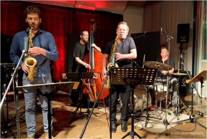 "20.10.2015 Robert Landfermann Quintett ""night will fall"" CD-Release Christian Weidner - as., Sebastian Gille - ts., Elias Stemeseder - piano, Robert Landfermann - bass, Jim Black - drums © Peter Tümmers"