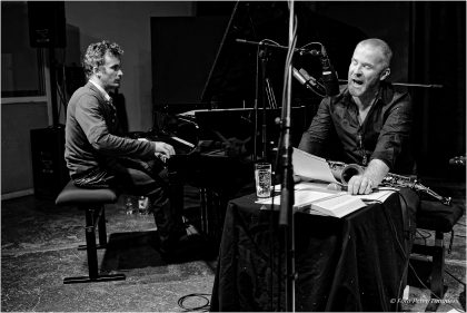 11.11.2015  Finn Again Wakes - CD-Präsentation Duo-Performance über James Joyce's Finnegans Wake Hayden Chisholm - voice, sax, fl., Philip Zoubek - piano © Peter Tümmers