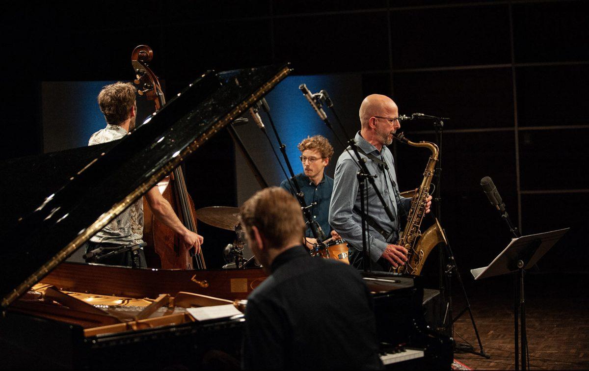 Jason Seizer Quartet plays VERTIGO Jason Seizer Pablo Held Jonas Westergaard Bass Fabian Arends LOFT Cologne Köln