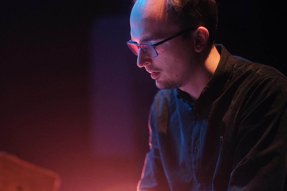 Constantin Krahmer, Thomas Morgan, Leif Berger, LOFT, live recording