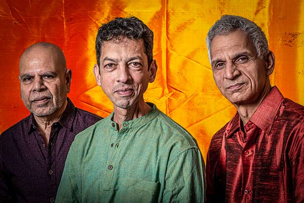 Jarry Singla, Ramesh Shotham, Christian Ramond, EASTERN FLOWERS, LOFT